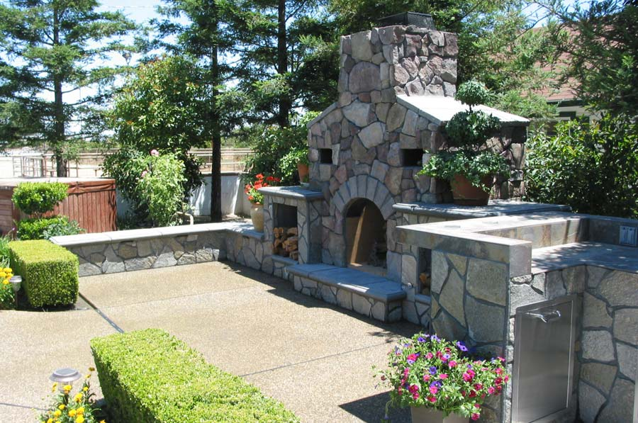 outdoor-fireplaces-04