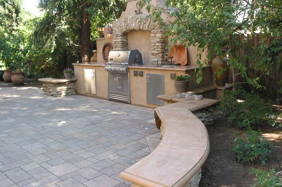 outdoor-fireplaces-07